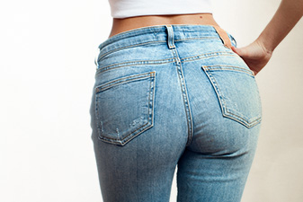 Non-surgical butt lift with CoolSculpting model 01