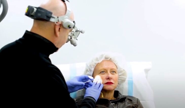 Dr Molton and a patient during anti-wrinkle injections session at epiclinic